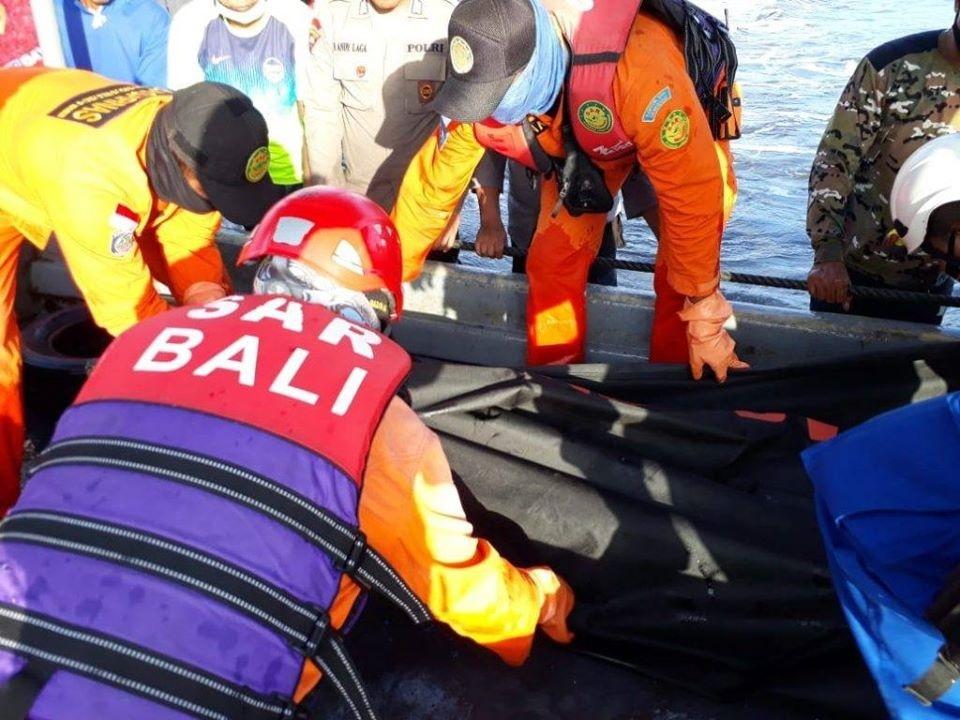 Foto SAR Bali saat proses evakuasi. (Foto. Istimewa)